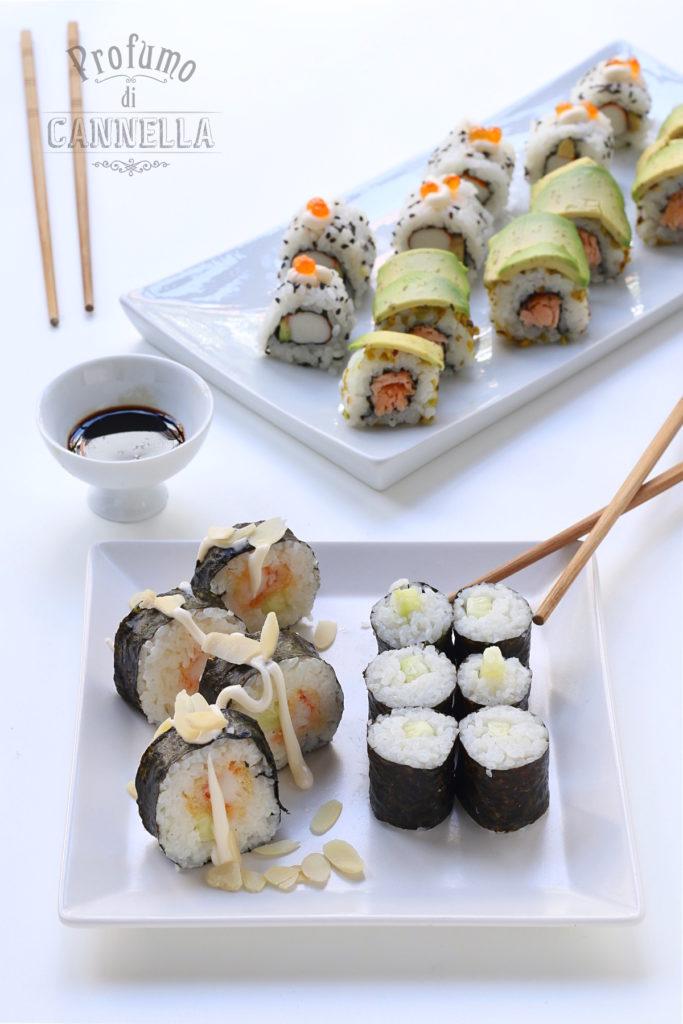 Sushi maki - roll - uramaki