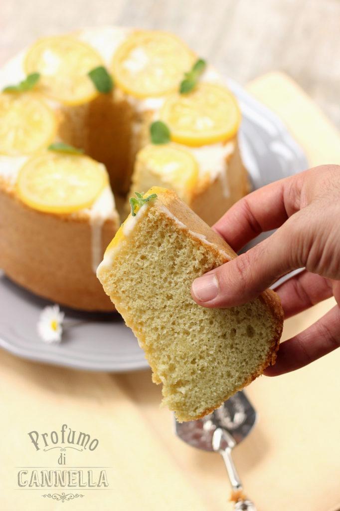 Chiffon cake con farina di mandorle