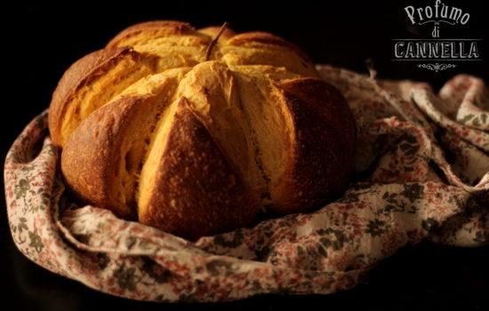 Pane alla zucca – a forma di zucca