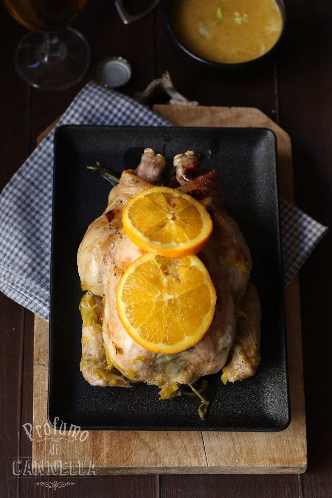 Pollo all'arancia intero e brasato al forno
