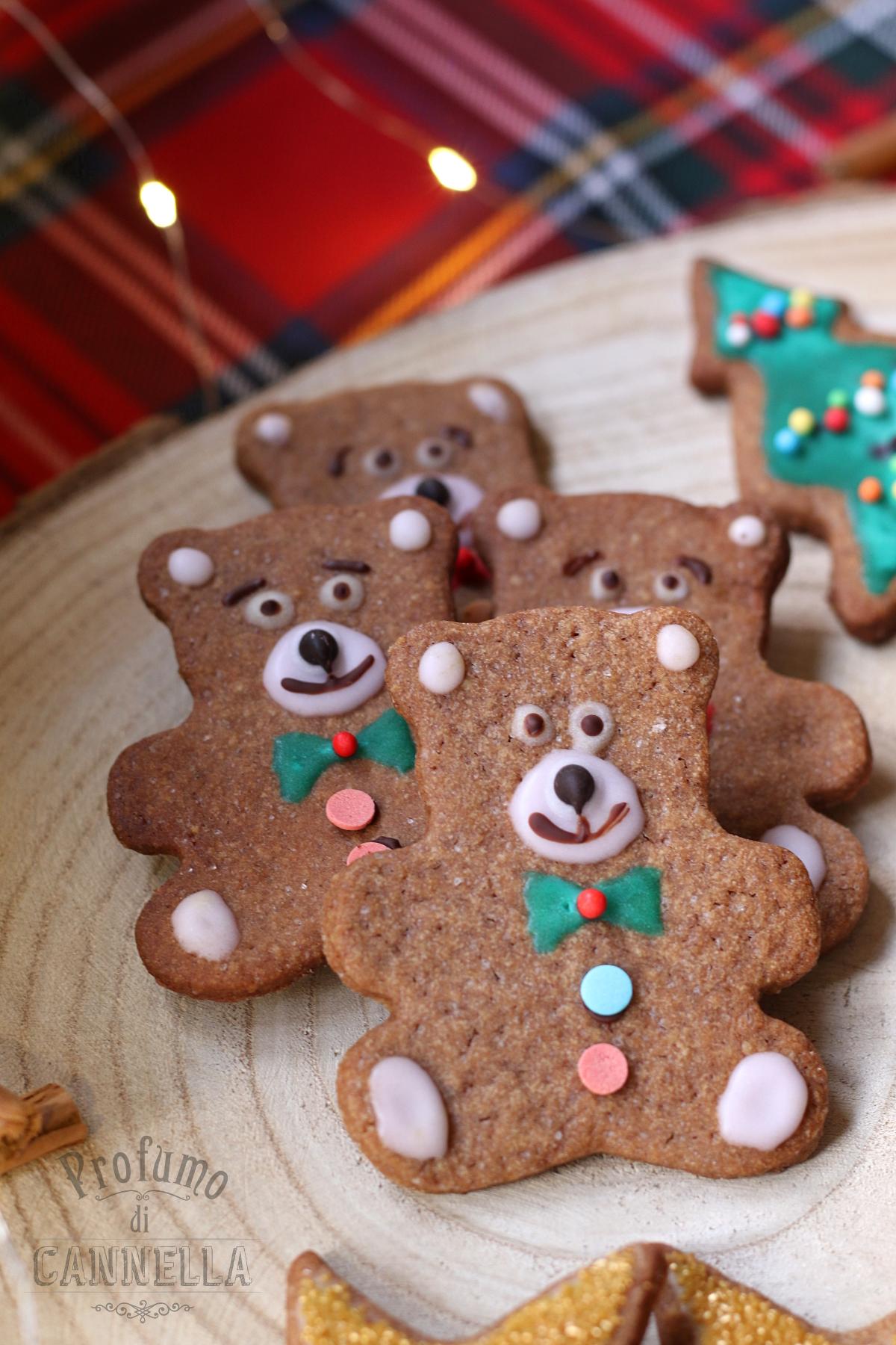 Orsetti di frolla speziata di Natale