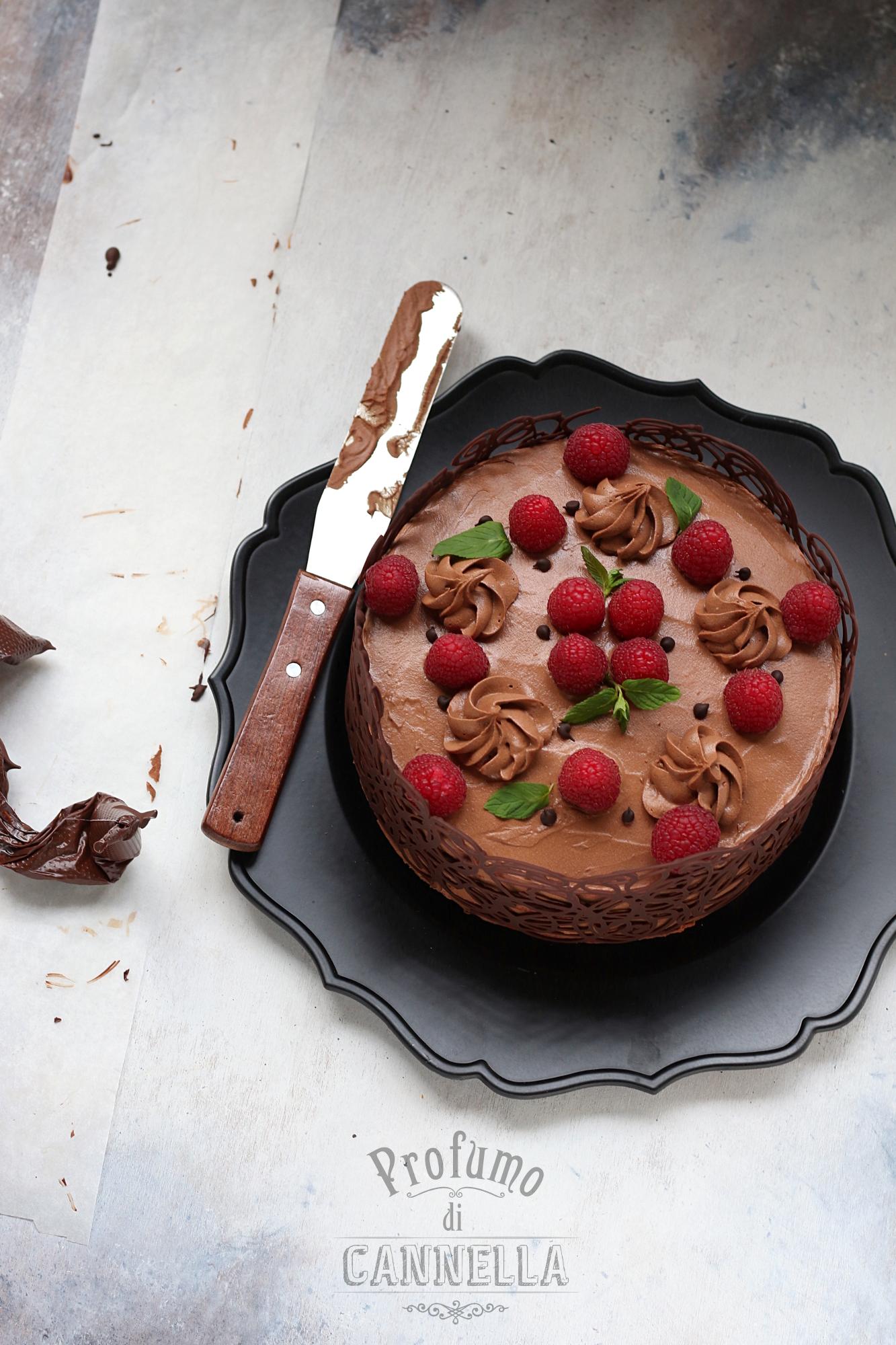 Torta in gabbia di cioccolato