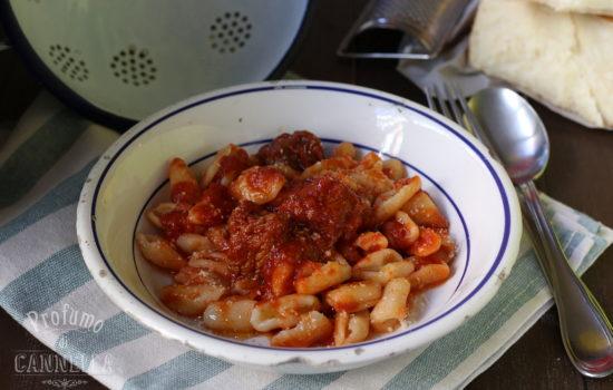 Gnocchi acqua e farina – rascatieddi o rascatielli lucani al ragù