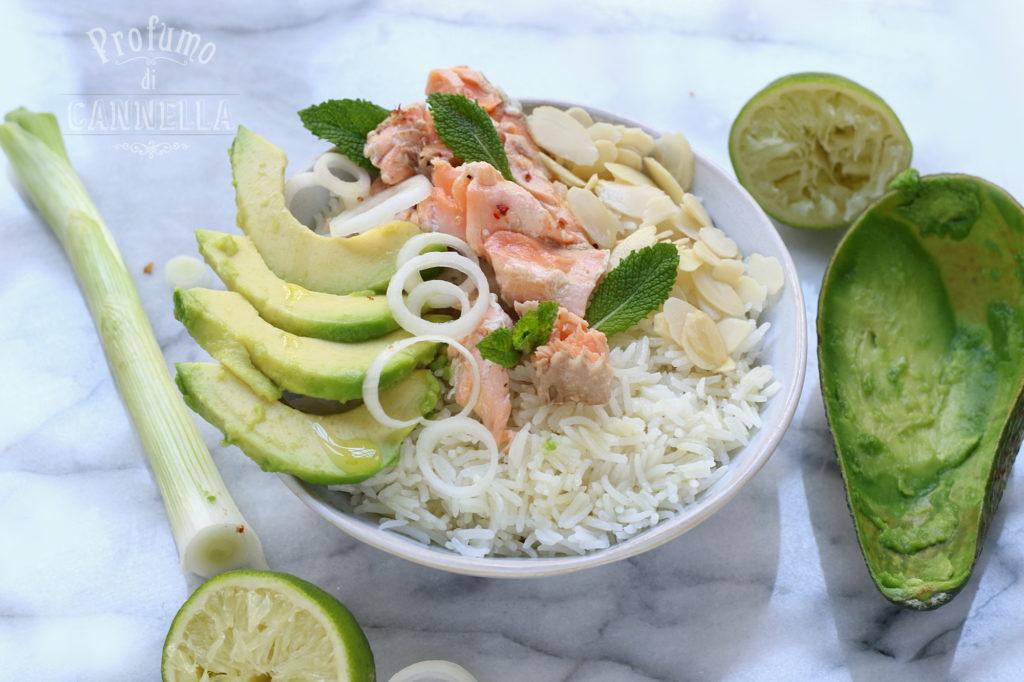 ricetta della bowl al salmone