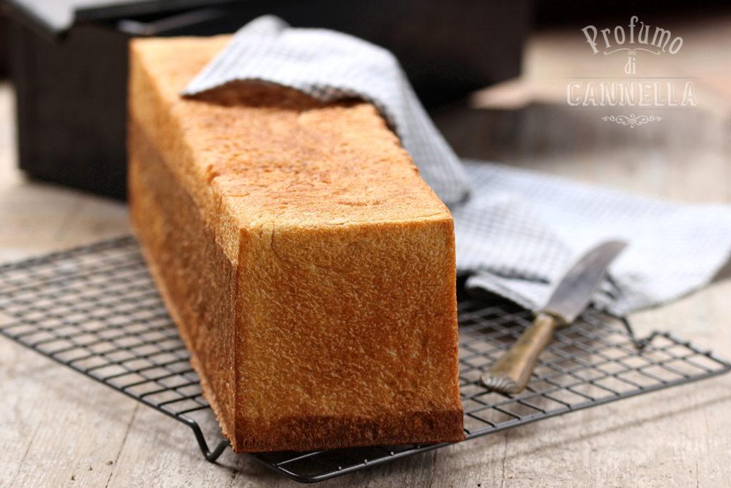 Pancarrè fatto in casa con lo stampo per pane in cassetta