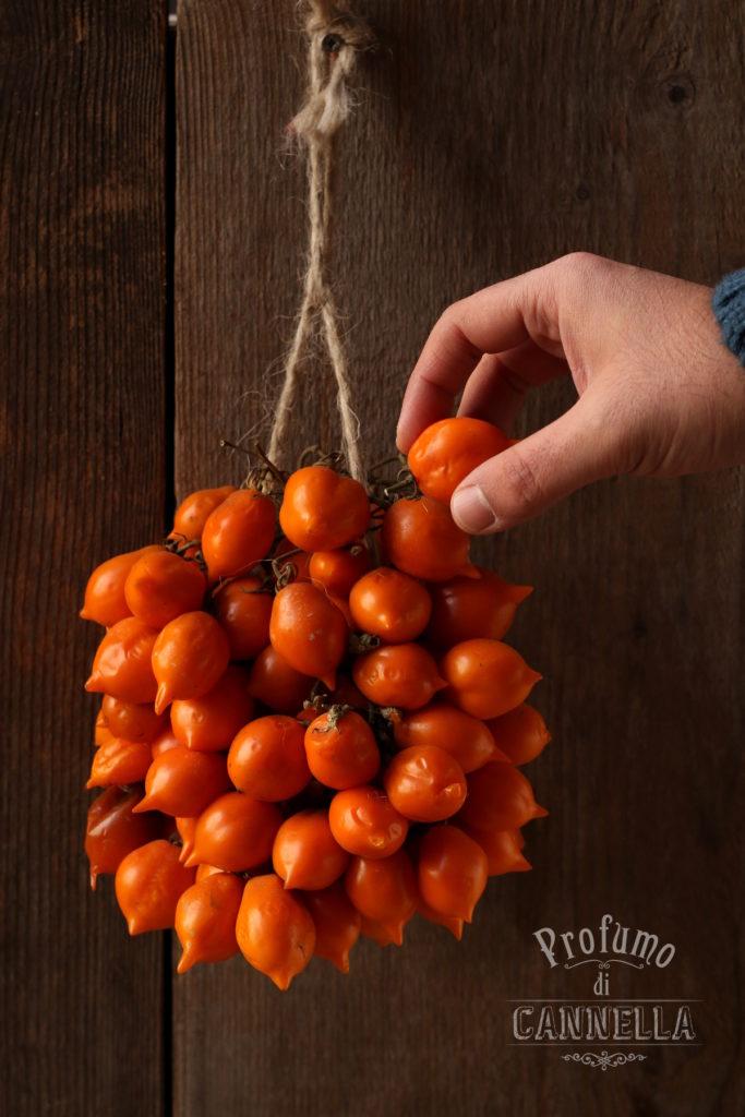Pomodorini arancioni del piennolo del Vesuvio