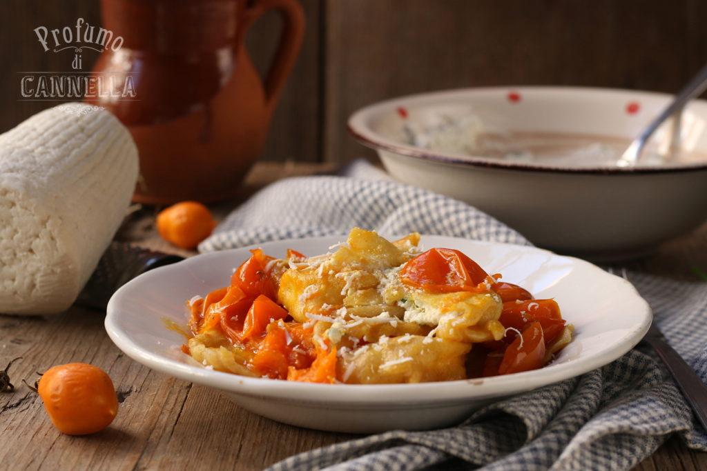 Ravioli di ricotta con pomodorini del piennolo del Vesuvio