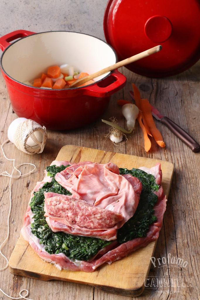 Rollè di vitella con spinaci e salsiccia