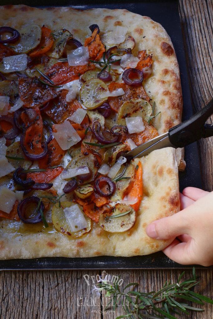 Pizza alla pala alla zucca e patate
