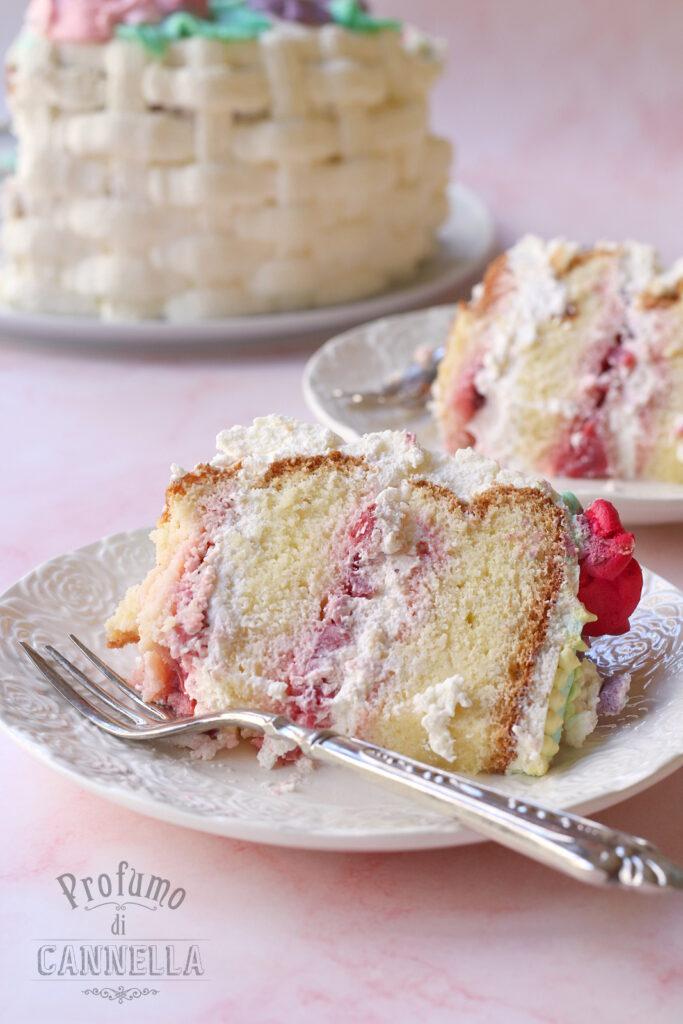 fetta di torta alle fragole e mascarpone