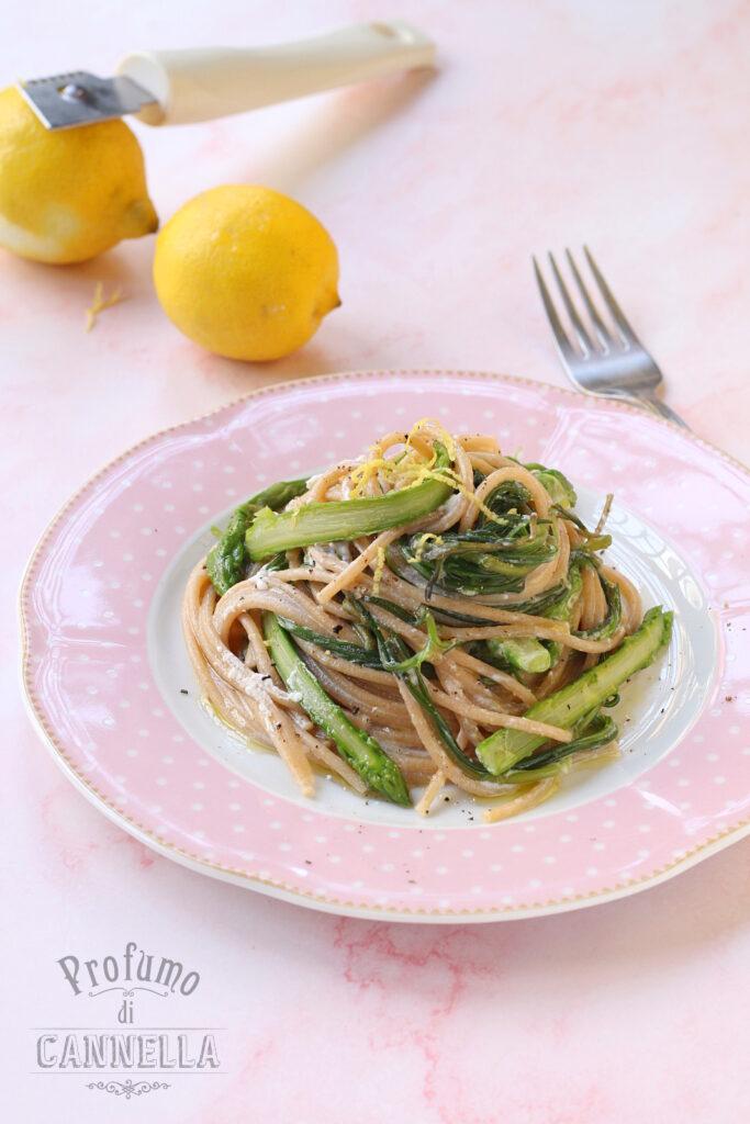 spaghetti con agretti e asparagi, ricotta al limone