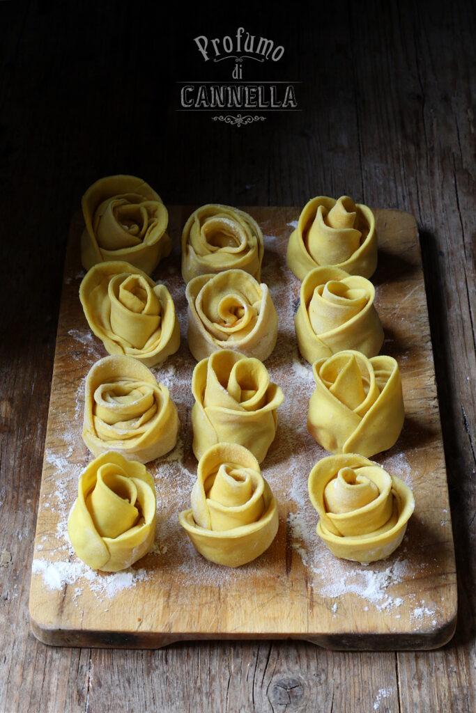 Rose di ravioli alla patata dolce